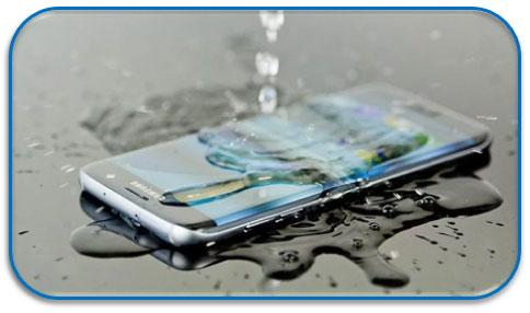 Smartphone met waterschade